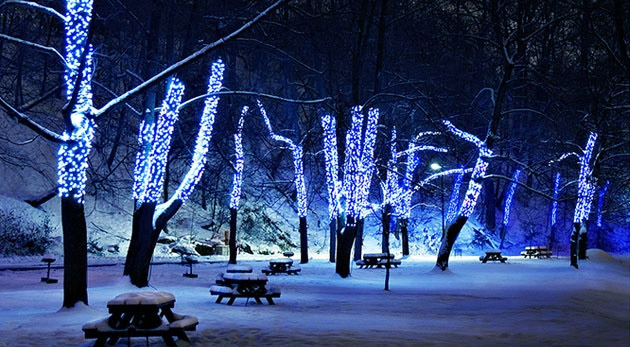 LED reťaz do interiéru alebo exteriéru ako skvelá vianočná dekorácia