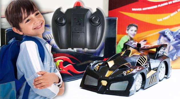 Fotka zľavy: RC antigravitačné autíčko na diaľkové ovládanie, ktoré jazdí po stene izby, len za 16,90 €. Úžasný darček nielen pre vaše deti!