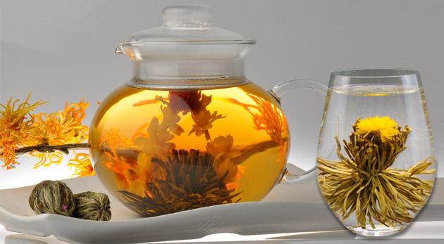 Svieže kvitnúce čaje v lahodných príchutiach - relax a pohoda v každej šálke