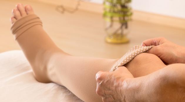 Zbavte sa bolestí nôh a opuchov s kompresnými pančuchami Zip Sox