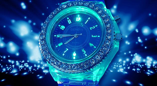 8a3a02748 Štýlové dámske hodinky Geneva v 5 farbách a s LED podsvietením