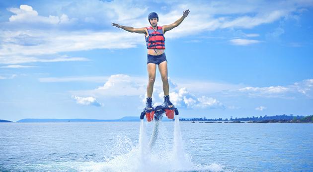 Fantastický adrenalínový zážitok flyboarding -  lietanie nad vodou
