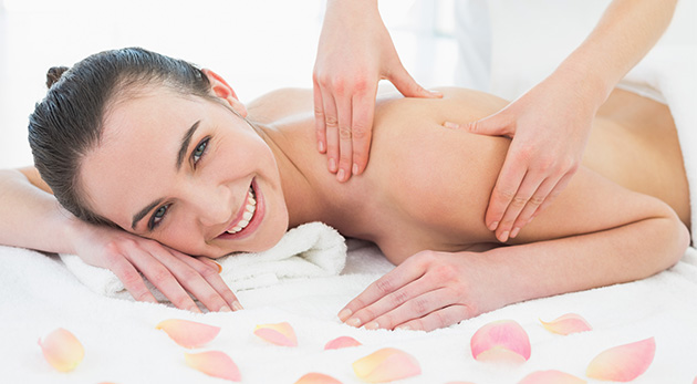 Skvelé uvoľnenie vďaka relaxačno-regeneračnej aroma masáži alebo Breussovej masáži a Dornovej metóde