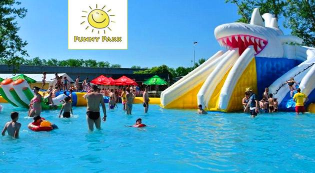 Celodenný vstup do jedinečného nafukovacieho aquaparku Funny Park v Piešťanoch