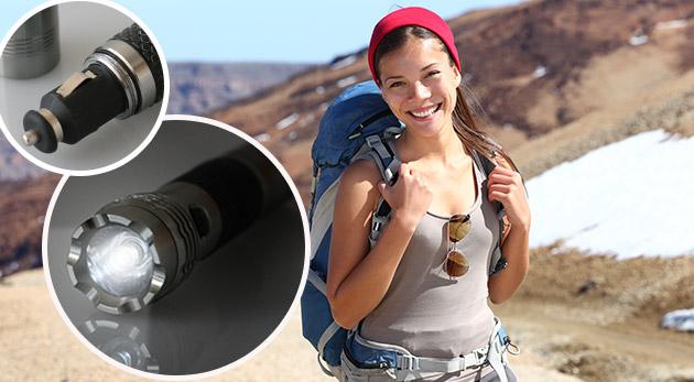 Praktická nabíjateľná LED baterka s kompasom