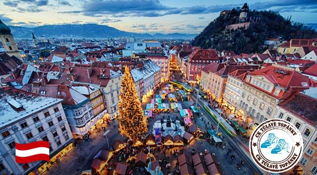 Vianočné trhy v rakúskom Grazi s tajomným sprievodom čertov