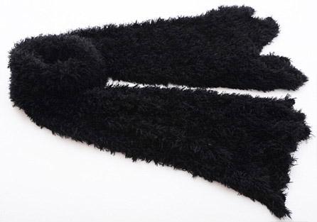 Zázračný strapatý šál v čiernej farbe