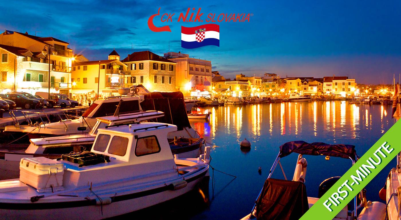 Slnečná dovolenka v chorvátskych letoviskách Vodice alebo Tribunj s ubytovaním v apartmánoch