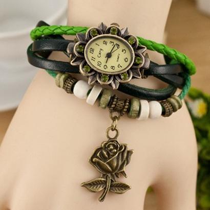 Retro hodinky s ružou, farba zelená