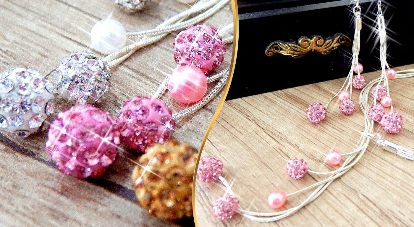 Štvordielny set dámskych šperkov so striebornou úpravou