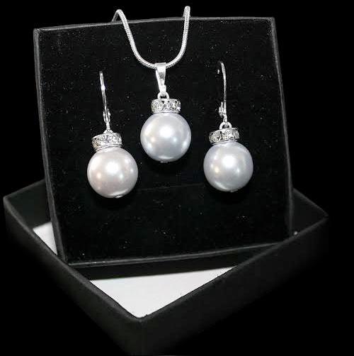 Set šperkov - prívesok a náušnice v striebornej verzii - STEEL