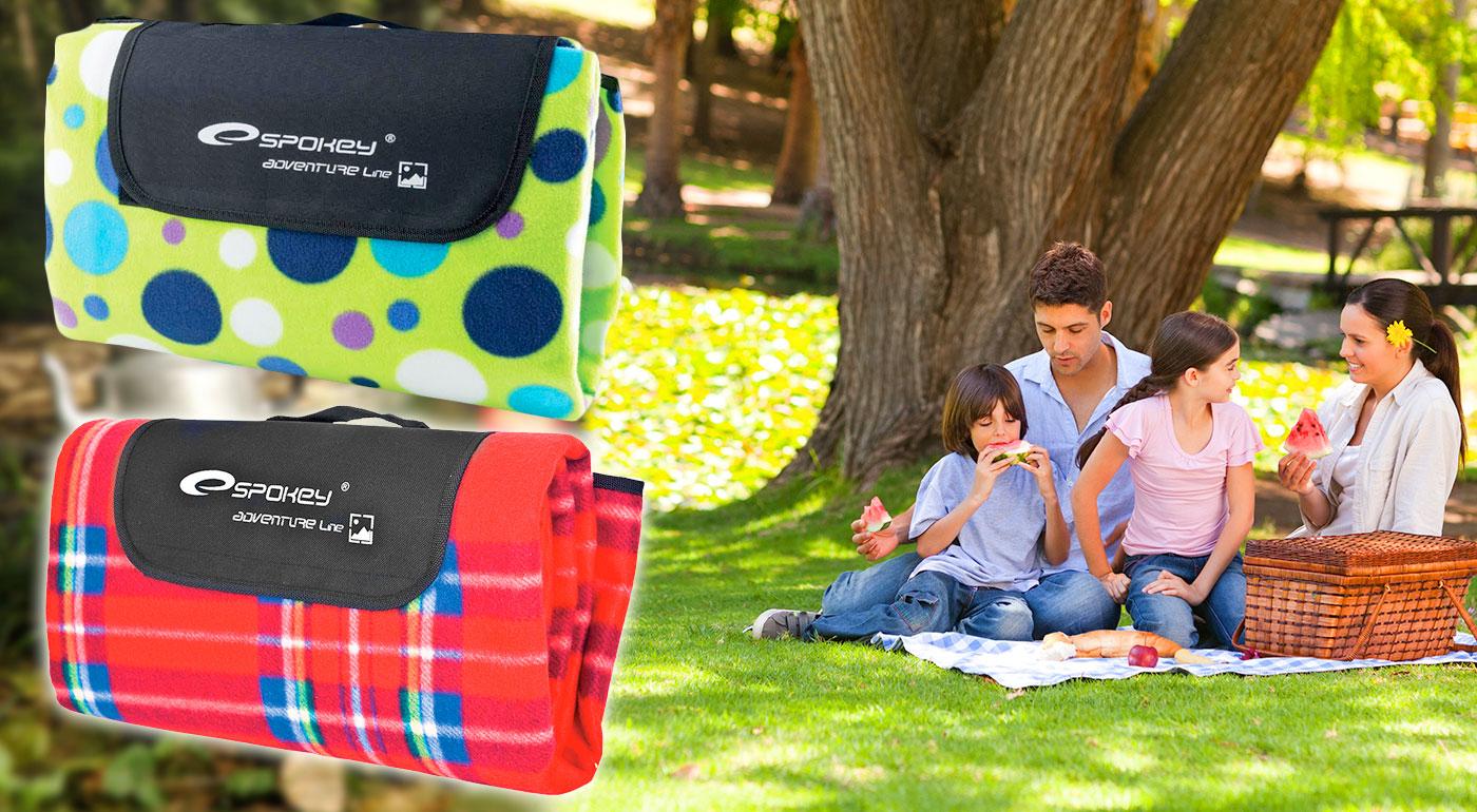 Vodeodolné piknikové deky v 2 rozmeroch a rôznych farebných prevedeniach