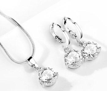 Elegantný  2-dielny set šperkov s brúsenými kryštálikmi - biela