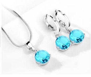 Elegantný  2-dielny set šperkov s brúsenými kryštálikmi - tyrkysová