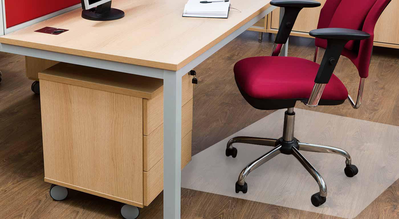 Zabráňte vzniku škrabancov - ochranná podložka pod kancelársku stoličku