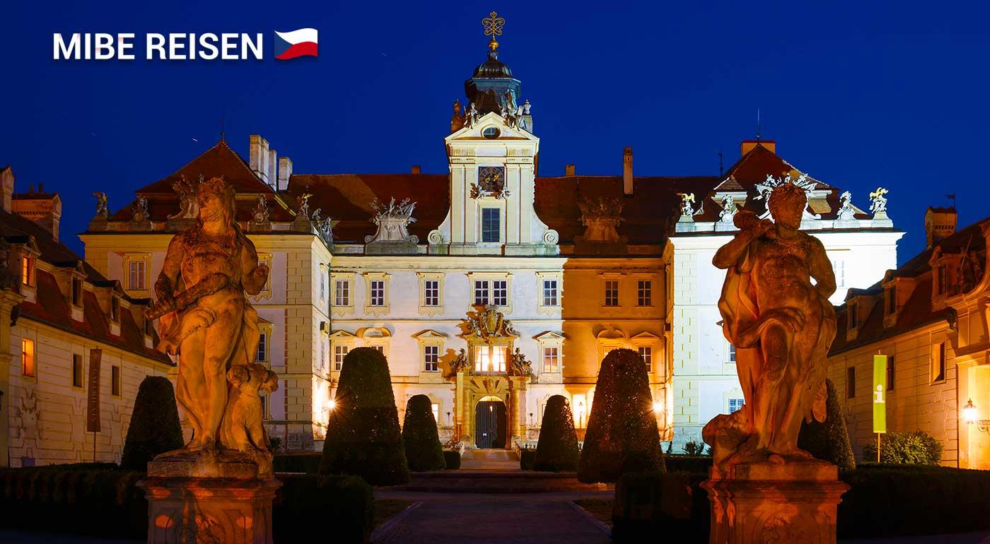 Spoznávajte nádherné zámky Južnej Moravy v Miloticiach a Lednici a uhaste smäd na Pálavskom vinobraní