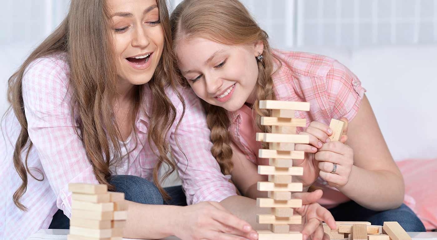 Spoločenská hra Jenga pre všetky generácie
