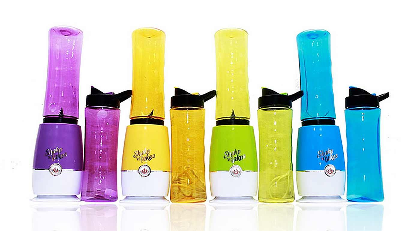 Smoothie mixér Shake 'n take pripraví vitamínovú bombu v priebehu 30 sekúnd. Stačí pootočiť fľašku a vziať si nápoj kamkoľvek so sebou!
