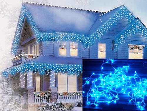 Vianočné ozdobné osvetlenie domu modré