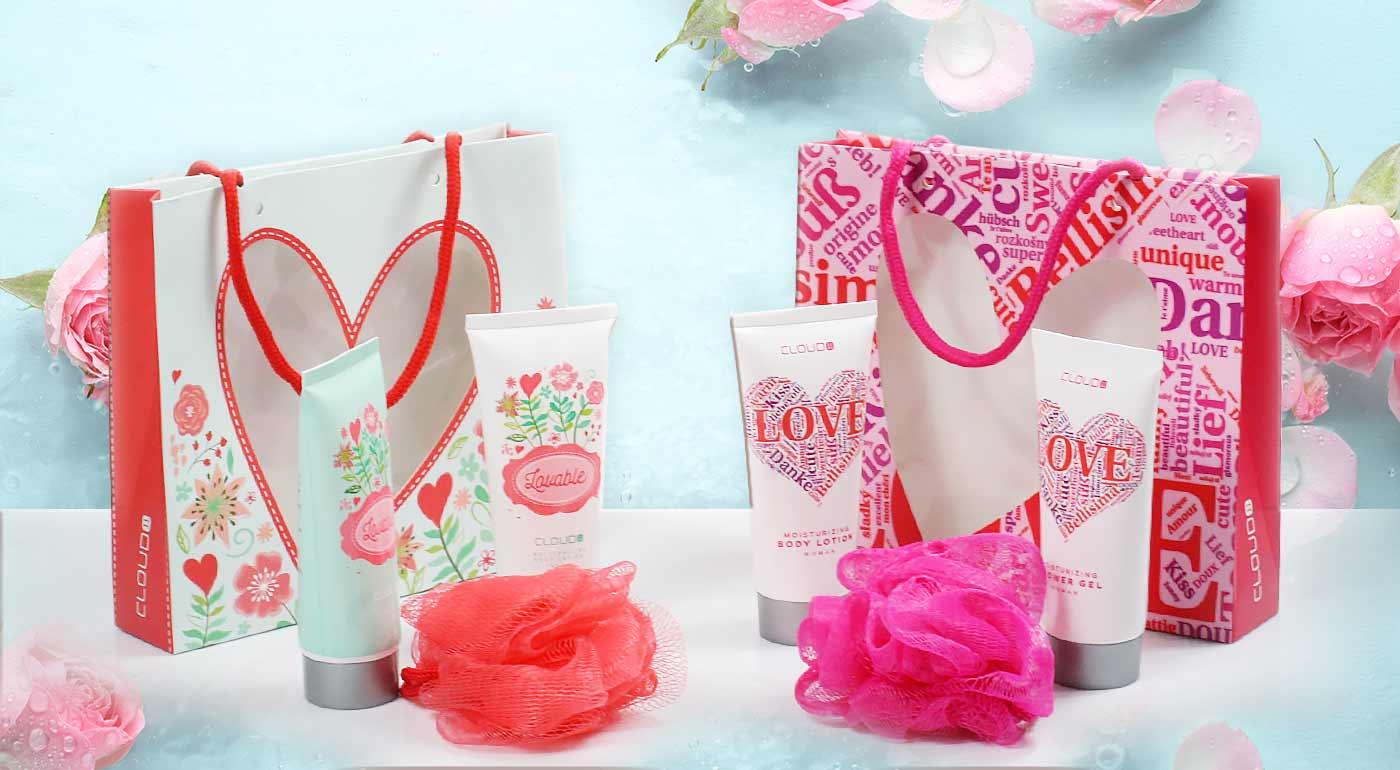 Darčekové balíčky so sprchovým gélom a telovým mliekom potešia každú dámu - tip na darček!