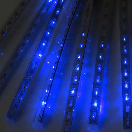Vianočná LED ozdoba - exteriérové padajúce svetlo - modré, 8 svetelných trubičiek s dĺžkou 20 cm