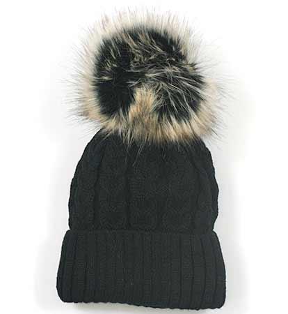 Dámska pletená čiapka so vzorom - čierna