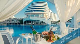 Zľava 36%: Prežite netradičnú Veľkú noc na Titanicu. Žiadne ľadovce na obzore len luxus, all inclusive a nádherné more. Letecký zájazd do Turecka s oddychom pri pláži aj poznávním od CK EKO Travel!