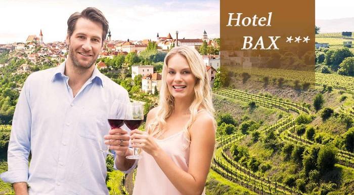 Fotka zľavy: Zabudnite na povinnosti a užite si trocha romantiky na čarovnej južnej Morave v Hoteli Bax***. V cene aj polpenzia, fľaša vína, welcome drink a všetky pamiatky na dosah!