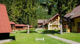 Zľava 43%: Načerpajte energiu v prírode Veľkej Fatry, ubytujte sa v Chatovej osade Gader a využite super ponuku na pobyt s polpenziou.