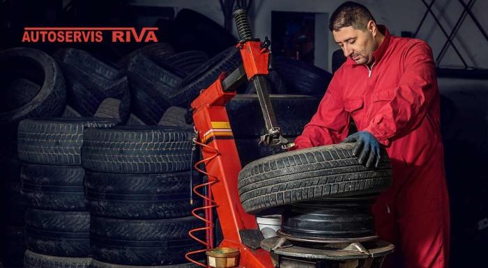 Fotka zľavy: Výmena zimných pneumatík za jarné alebo kompletné prezutie už od 11,90 € vrátane vyváženia a vizuálnej kontroly vozidla v bratislavskom Lamači.