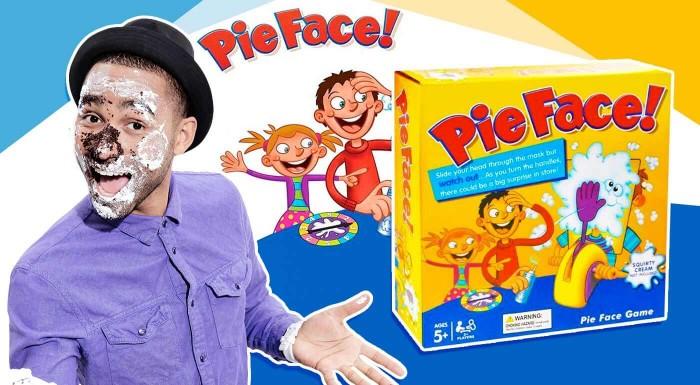 """Chcete si vyskúšať šľahačkovú vojnu ako ju poznáte z filmov? Užite si poriadnu """"srandu"""" s populárnou hrou Pie Face, ktorá sa rýchlo stala obľúbeným doplnkom každej párty!"""