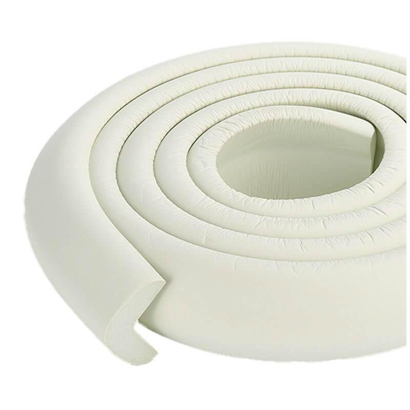 Penová ochrana rohov a hrán nábytku 2m x 3cm (tvar L) - farba biela