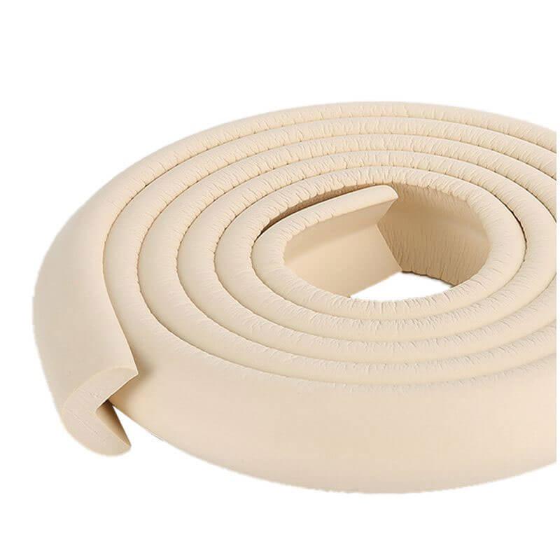 Penová ochrana rohov a hrán nábytku 2m x 3cm (tvar L) - farba krémová