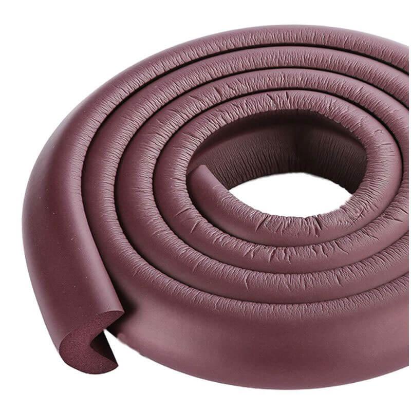 Penová ochrana rohov a hrán nábytku 2m x 3cm (tvar L) - farba tmavohnedá