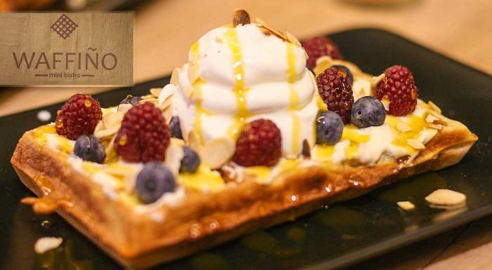 Fotka zľavy: Vyskladajte si domáce wafle podľa svojej chuti v mini bistre WAFFIÑO - na výber vyše 1000 kombinácii!