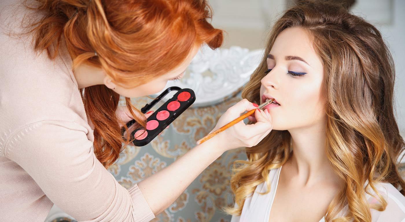 Kurzy denného a slávnostného líčenia kvalitnou kozmetikou