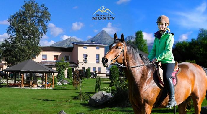Fotka zľavy: Pobyt na 4 alebo 5 dní v Penzióne Monty Ranch s polpenziou a jazdou na koňoch. Vychutnajte si Vysoké Tatry, krásnu prírodu a dobite baterky v idylickom prostredí.