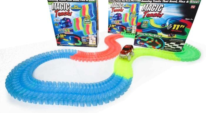 Fotka zľavy: Autodráha Magic Tracks s LED osvetlením. Pripravte vašim deťom farebné preteky s touto 165 dielnou sadou!