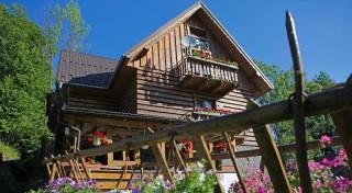 Zľava 50%: Super dovolenka v krásnom prostredí Pienin na 3 alebo 4 dni v Penzióne Poľana. V dedinke Jezersko si užijete večeru s dezertom, vstup do jacuzzi aj balík zliav!