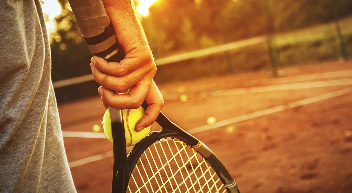 Fotka zľavy: Dostaňte svoje telo do formy vďaka tenisu - prenájom tenisového kurtu v Petržalke na 1, 5 alebo 10 hodín. Na výber i variant s hrou s profesionálnym trénerom!