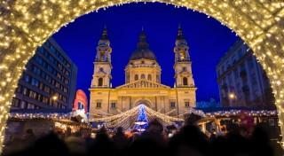 Zľava 26%: Vôňa papriky, guláša či klobások - presne taký je advent v Budapešti. Príďte si užiť ligotavú vianočnú atmosféru maďarskej metropoly v rámci jednodňového zájazdu.