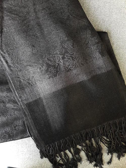 547ad744f32 Pašmína (kašmírový šál) - farba čierna