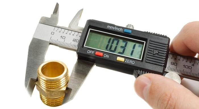 Posuvné meradlo s digitálnym displejom