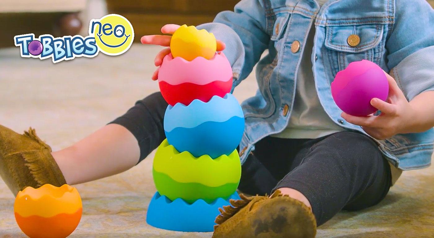 Hravá balančná veža Tobbles - stavebnica pre deti od 6 mesiacov