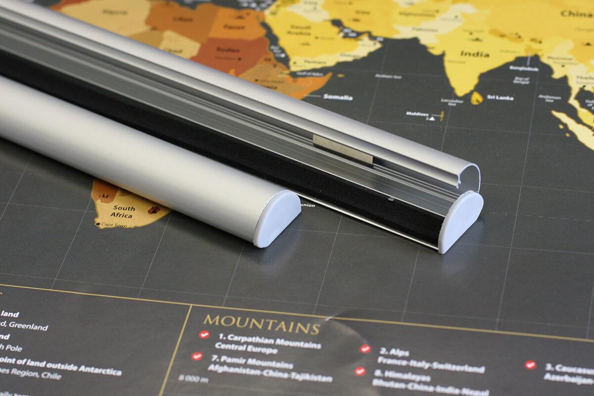 Lišty na zavesenie mapy - hliníkové (dĺžka 84,1 cm, výška 2,5 cm, šírka 1,5 cm)