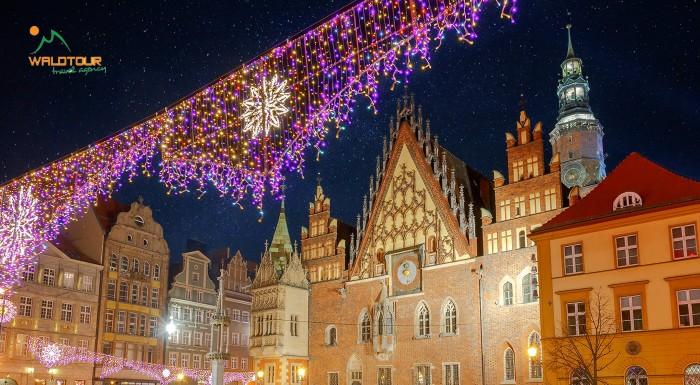 Fotka zľavy: Tradície, koncerty, koledy, folklór, história a vône predvianočného obdobia v Krakowe a Zakopanom. Užite si Advent v Poľsku trochu inak a vyberte sa na 2-dňový zájazd plný zážitkov.