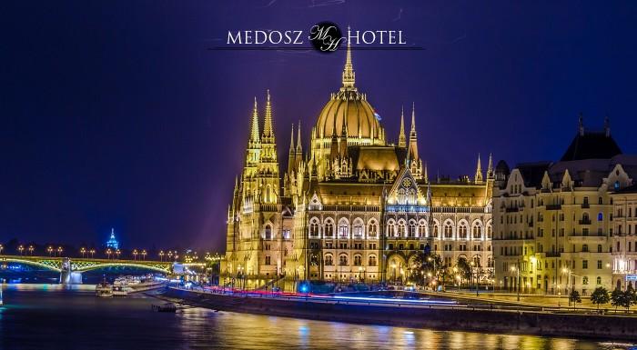Fotka zľavy: Jedinečné 2 dni v srdci Budapešti v komfortnom Hoteli Medosz*** pre dvoch vrátane raňajok a hodinovej poznávacej plavby po Dunaji. Nechajte sa očariť atmosférou maďarskej metropoly!