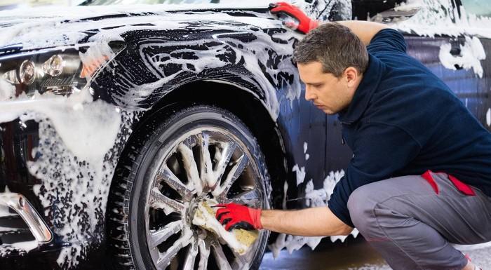 Fotka zľavy: Ručné umytie interiéru alebo exteriéru auta