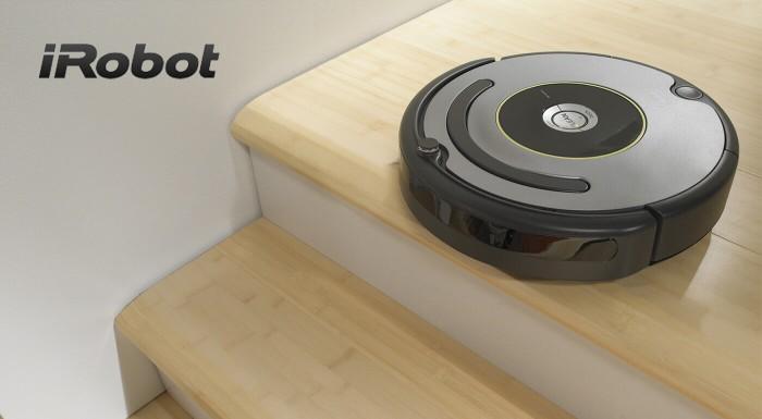 Fotka zľavy: Vysávanie nie je práve najzábavnejšia činnosť. Radšej si oddýchnite a na domáce práce využite robotický vysávač! Model Roomba 615 sám pozbiera nečistoty z dlažby, drevenej podlahy aj kobercov.
