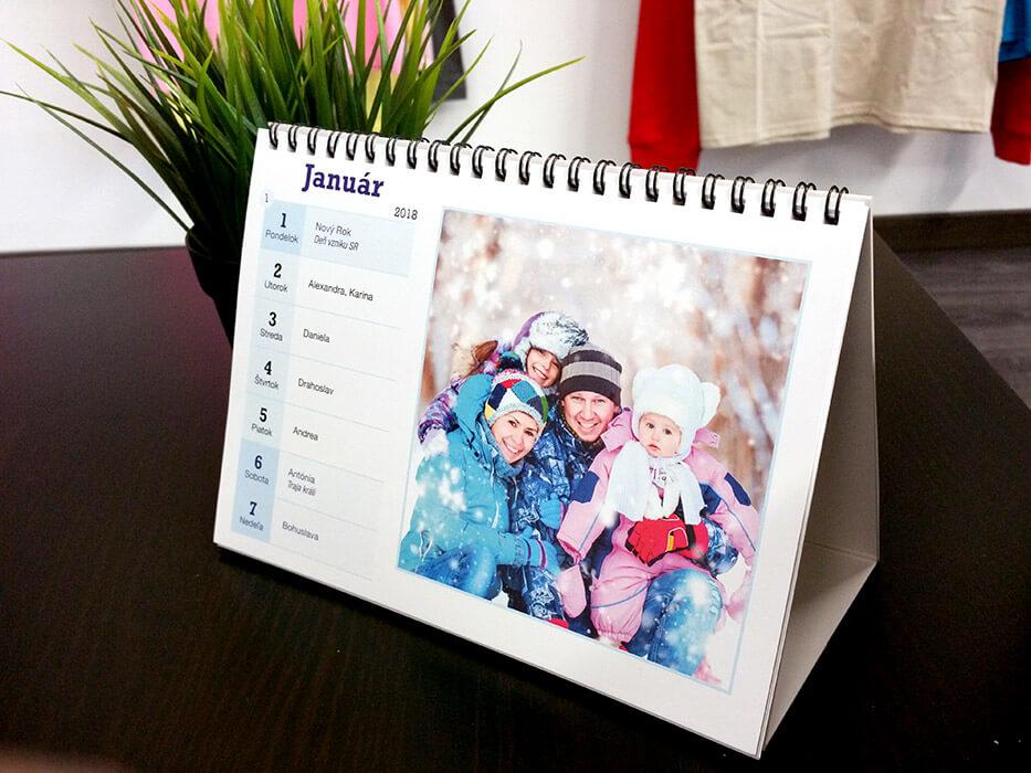Stolový týždenný kalendár A5 (54 fotografií)